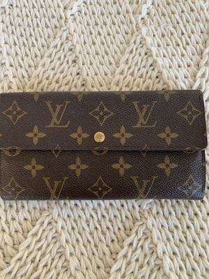 Authentic LV wallet for Sale in Gilroy, CA