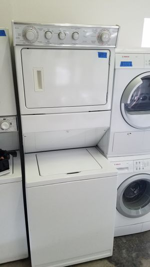 LARGE WHIRLPOOL STACKABLE WASHER AND ELECTRIC DRYER for Sale in Modesto, CA