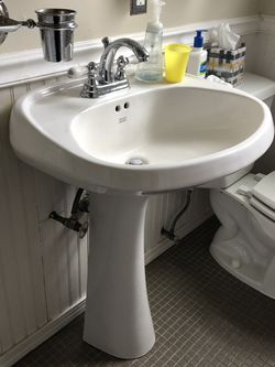 Pedestal Sink And Faucet for Sale in Seattle,  WA