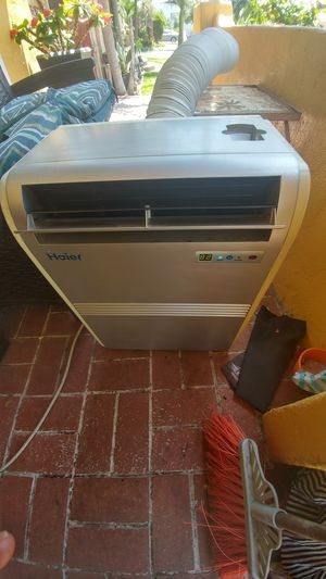 Haier portable air conditioner 7,000 but. In good working conditions for Sale in Los Angeles, CA