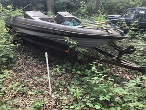 88 bass boat fishing boat with single axle trailer $300 for Sale in Detroit, MI
