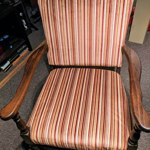 Antique chair for Sale in Waterbury, CT