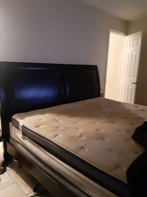 Used cali king bed moving and need gone by Friday for Sale in Gulfport, FL