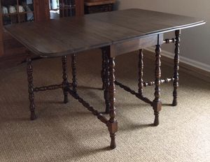 1910 Antique table and chairs for Sale in Cedarhurst, PA