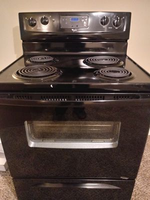 Whirlpool Stove, Whirlpool dishwasher & Hotpoint Microwave for Sale in Roswell, GA