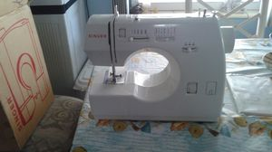 Brand new Singer sewing machine for Sale in Hialeah, FL