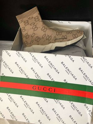 Brand new gucci men size 8 9 10 11 for Sale in Hollywood, FL