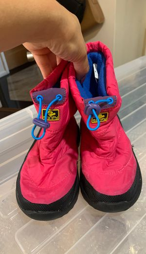 Kids Snow Boots Size 1 for Sale in San Bruno, CA