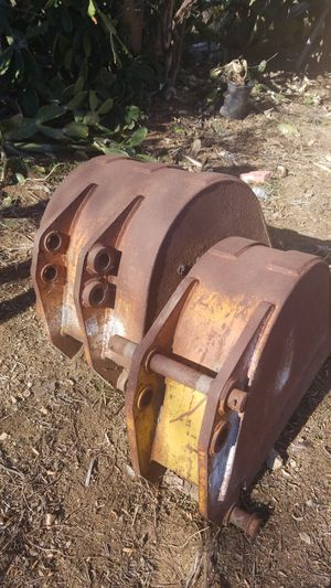 Backhoe buckets for Sale in Norco, CA