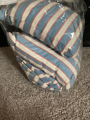 Pillows and bed cover for Sale in Columbus, OH