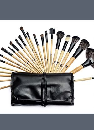 NEW 24-pc makeup brush set with case for Sale in Salt Lake City, UT