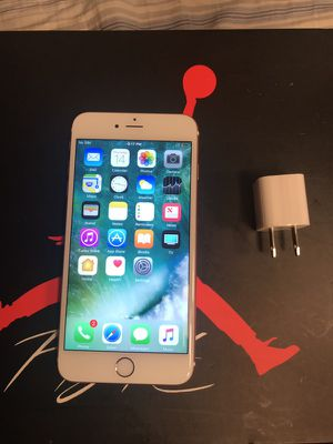 Mint Condition iPhone 6S Plus 16 GB Rose Gold T-Mobile Metro PCS LycaMobile Simple Mobile Really Nice Condition Hablo Español Hazleton Y Freeland for Sale in Hazleton, PA