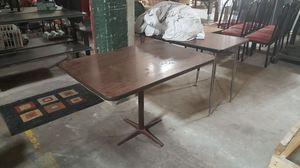 Restaurant Table w / metal base for Sale in Atlanta, GA