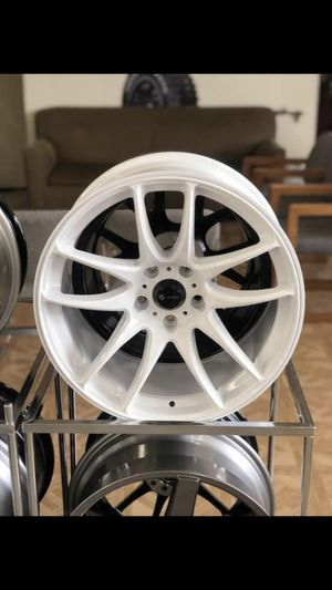PAYMENTS AVAILABLE! New set of (4) 18x9.5 Vors TR4 +22 Gloss White wheels for sale installed for Sale in San Bernardino, CA