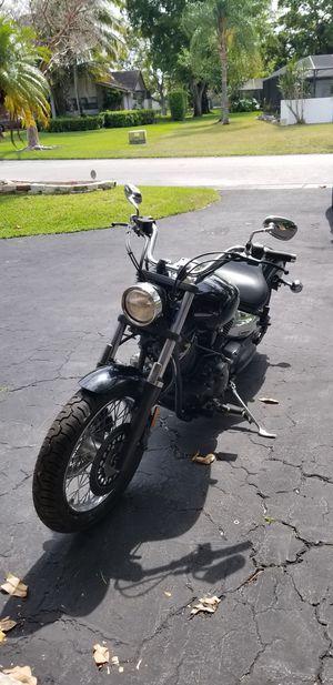 Yamaha vstar 1100cc motorcycle 839 miles for Sale in Pompano Beach, FL