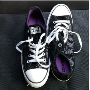 Black Sequence converse size 9 for Sale in Glen Burnie, MD