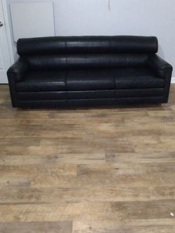 Black Leather Couch for Sale in Hendersonville,  TN