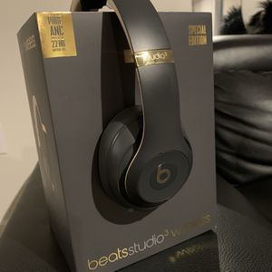 Beats Studio 3 Wireless (The Skyline Collection: Shadow Gray) for Sale in Clayton, NC