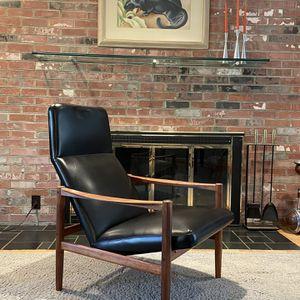 Vintage Rosewood/Teak Scandinavian Lounge Chair (Mid Century) for Sale in Arlington, VA