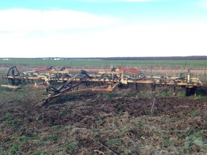 Roll-a-come chisel plow for Sale in Hawley, TX