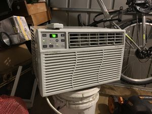 GE 6,000 btu, 115volt Window / wall AC unit WITH REMOTE for Sale in Tampa, FL