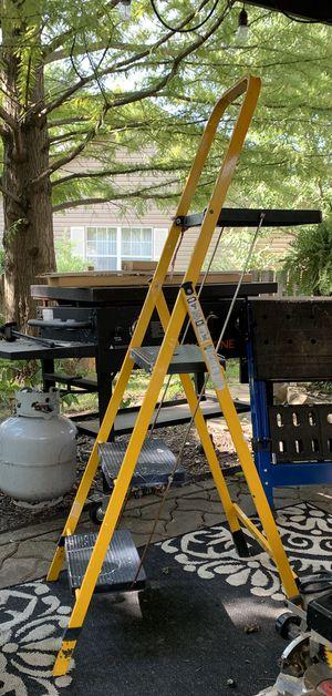 Ladder- Skinny Minnie 3 step with shelf for Sale in Winfield, IL