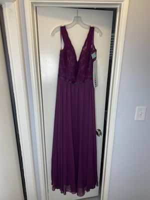 Beautifull, Perfect, Never Worn long formal dress, paid 200$, selling for 100$, for Sale in El Cajon, CA