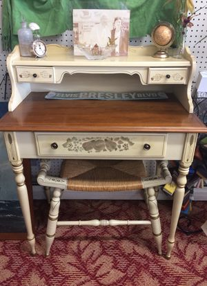 Ethan Allen Desk with Bench for Sale in Maple Shade Township, NJ