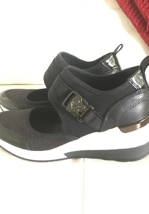 Michael Kors tennis shoes for Sale in Coral Gables, FL