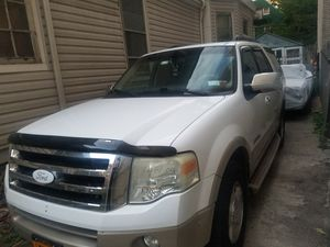 2007 ford expedition Eddie Bauer for Sale in New York, NY