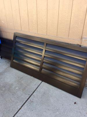 Queen bed frame normal wear for Sale in San Jacinto, CA