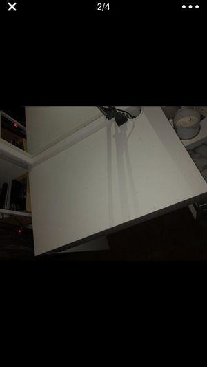 MICKIE white desk ikea for Sale in Hayward, CA