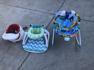 Bouncer seat,,baby seat, Sit-Me-Up Floor Seat. for Sale in Chicago, IL