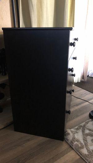 4 Drawer Black Dresser for Sale in Livingston, CA