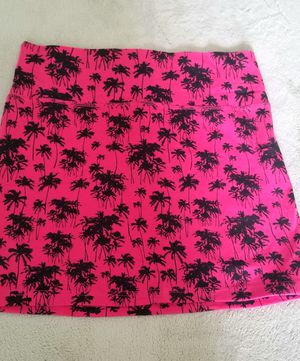 New hot pink summer skirt with palm trees for Sale in Georgetown, TX