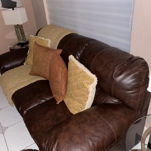 Brown Leather Sofa for Sale in Miami, FL