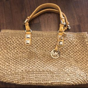 Nice Big Michael Kors Bag New No Tags for Sale in Garden Grove, CA