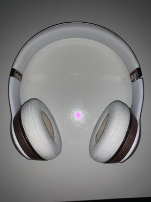 Beats Solo 3 Wireless(Rose Gold Used) for Sale in Hawthorne, CA