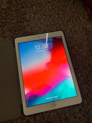 iPad 5th Generation for Sale in Fontana, CA