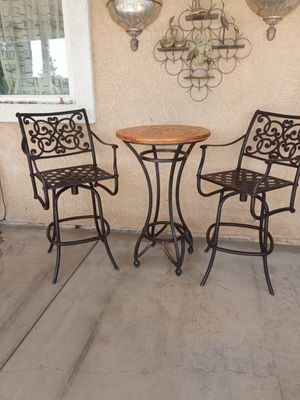 SUNDAE OUTDOOR 3 Pcs COUNTER HEIGHT Swivel BAR STOOL AND BAR TABLE SET All PATIO FURNITURE BISTRO SET WITH HEAVY DUTY ALUMINUM FRAME. for Sale in Palmdale, CA