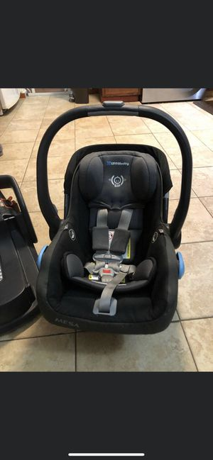 UppaBaby Mesa Car seat With Extra Base for Sale in Pompton Lakes, NJ