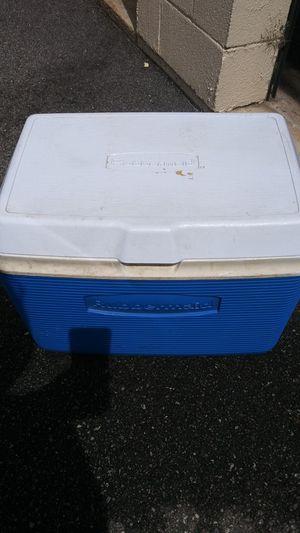 Rubbermaid cooler for Sale in Tucker, GA
