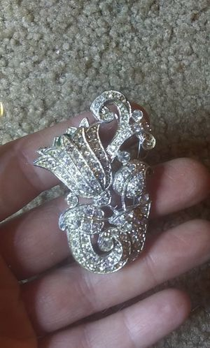 Vintage rhinestone pave flower brooch pin for Sale in Tullahoma, TN