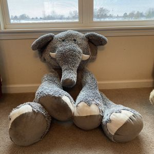 Giant Elephant for Sale in Bolingbrook, IL