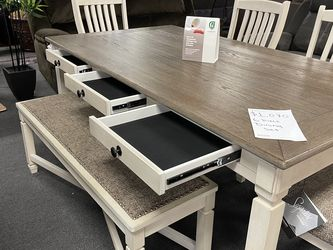 Dining Furniture Set for Sale in Clermont,  FL