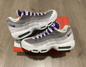 Air Max 95 Grape Snakeskin Size 8.5 and 9 Men's for Sale in Los Angeles, CA