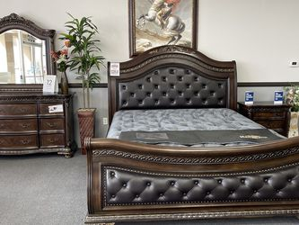 4PC King Bedroom Set 🔥 Same Day Delivery 🚚 for Sale in Fresno,  CA