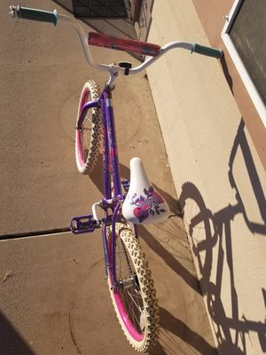 Girls kids bike. for Sale in Guadalupe, AZ
