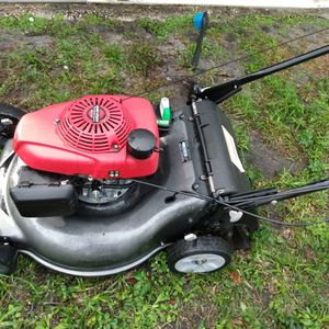 Lawn Mower Honda Almost Brand Self Propelled Ready For Business Or Clean Your House for Sale in Delray Beach, FL