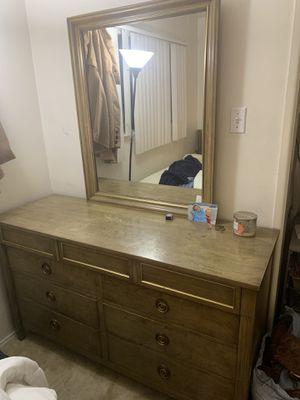 Solid wood bedroom set. for Sale in Costa Mesa, CA
